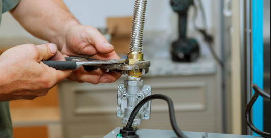 Why You Should Hire The Services of Gas Plumber